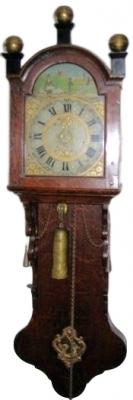 DW24 Bijzonder Fries staartklokje, zgn. kantoortje of notarisklok, ca. 1830, in volledig originele staat