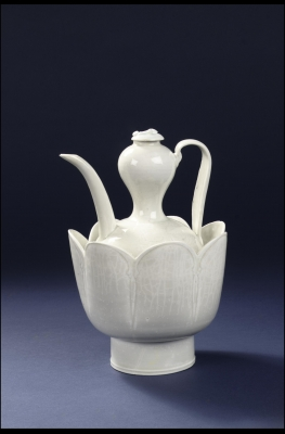 A Chinese porcelain Yingqing wine ewer, Song dynasty qingbai ceramic art from China