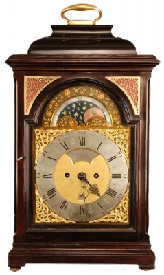 br06 Dutch table clock with date and moon phase indication