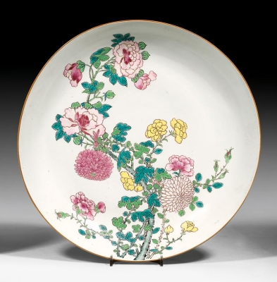 A Famille rose Chinese porcelain dish, Qing dynasty Yongzheng period antique ceramics from China