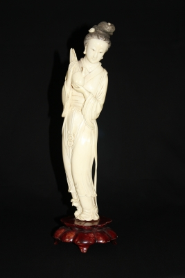 Chinese ivory sculpture of a lady with a musical instrument, Qing dynasty