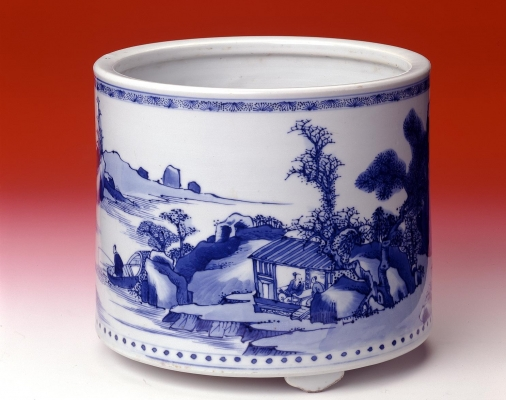 Chinese blue and white Kangxi period porcelain brushpot, Qing dynasty Ceramics from China