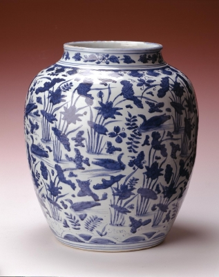 Chinese Wanli period blue and white jar, Ming dynasty ceramics from China