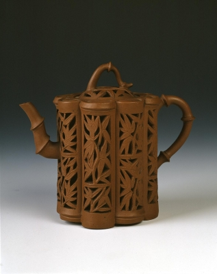 Chinese Yixing ware Kangxi period teapot with bamboo design. Chinese Ceramic art from the Qing dynasty