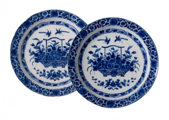 Pair of Plates in Blue and White Dutch Delftware - Pieter Adriaensz. Kocx