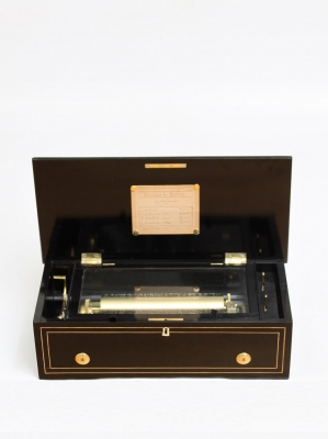 Een Zwitserse Langdorff palissander cilinder speeldoos, circa 1860