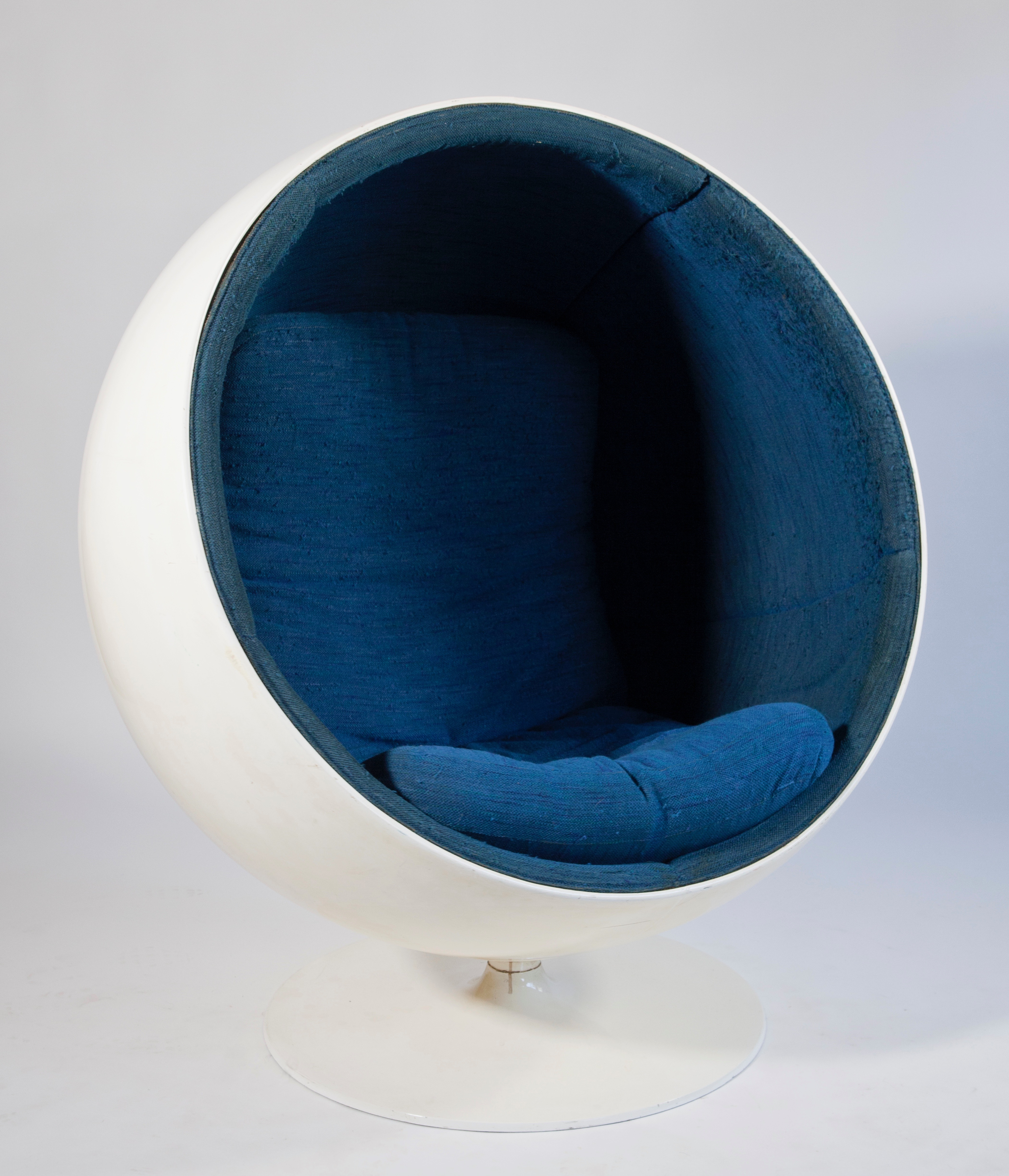 Space Age Design.Ball Chair By Eero Aarnio Style Icon From The Space Age
