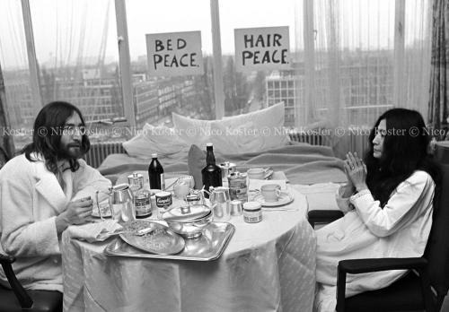 John Lennon & Yoko Ono - PEACE - Room 902 Hilton #5