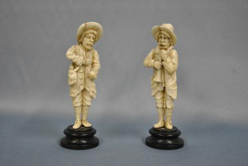 Two ivory figures, Germany, 1800-1830.